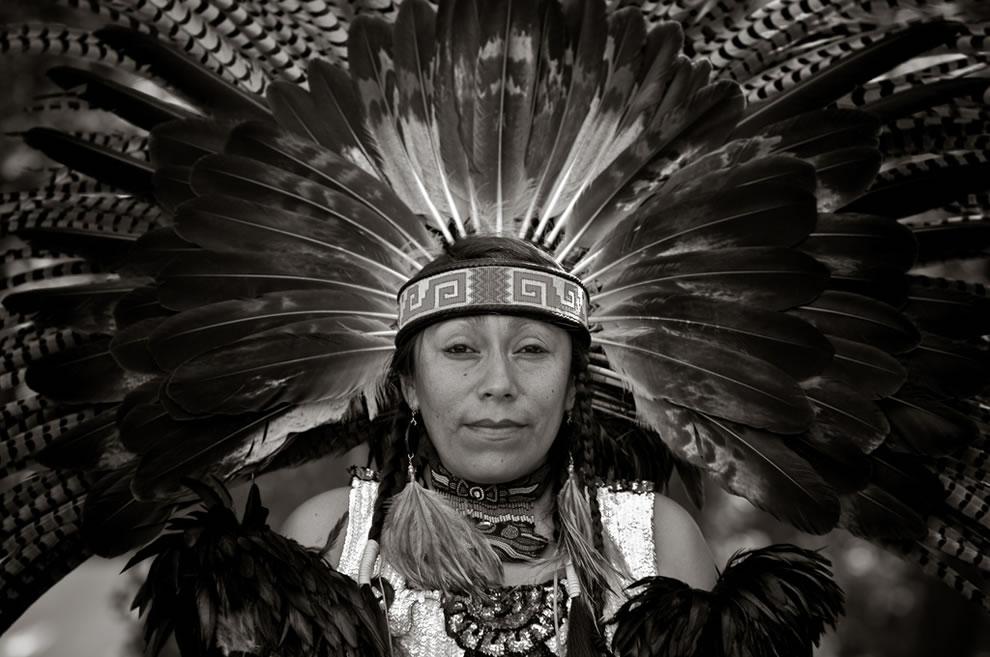 Amazing Headdress BW Shinecock Nation Pow Wow