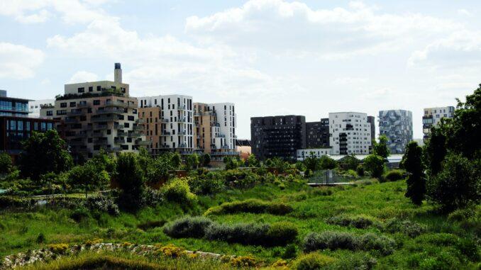Saint-Ouen-cites-batiments-image-Zanck-Eiffel-Unsplash